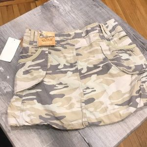 NWT fatigue juniors skirt size 1 with pockets